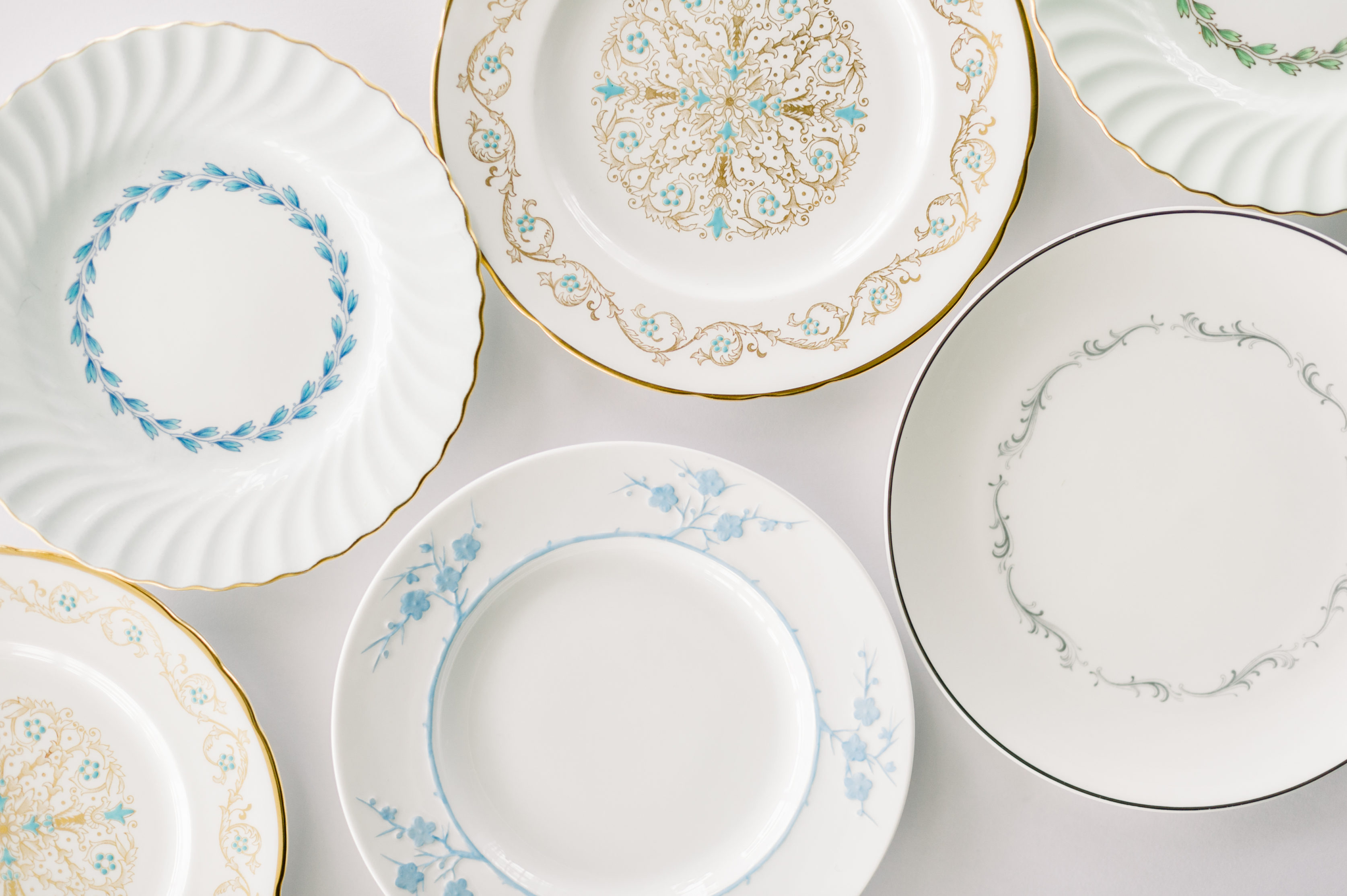 Vintage china cake plates for your wedding reception or event
